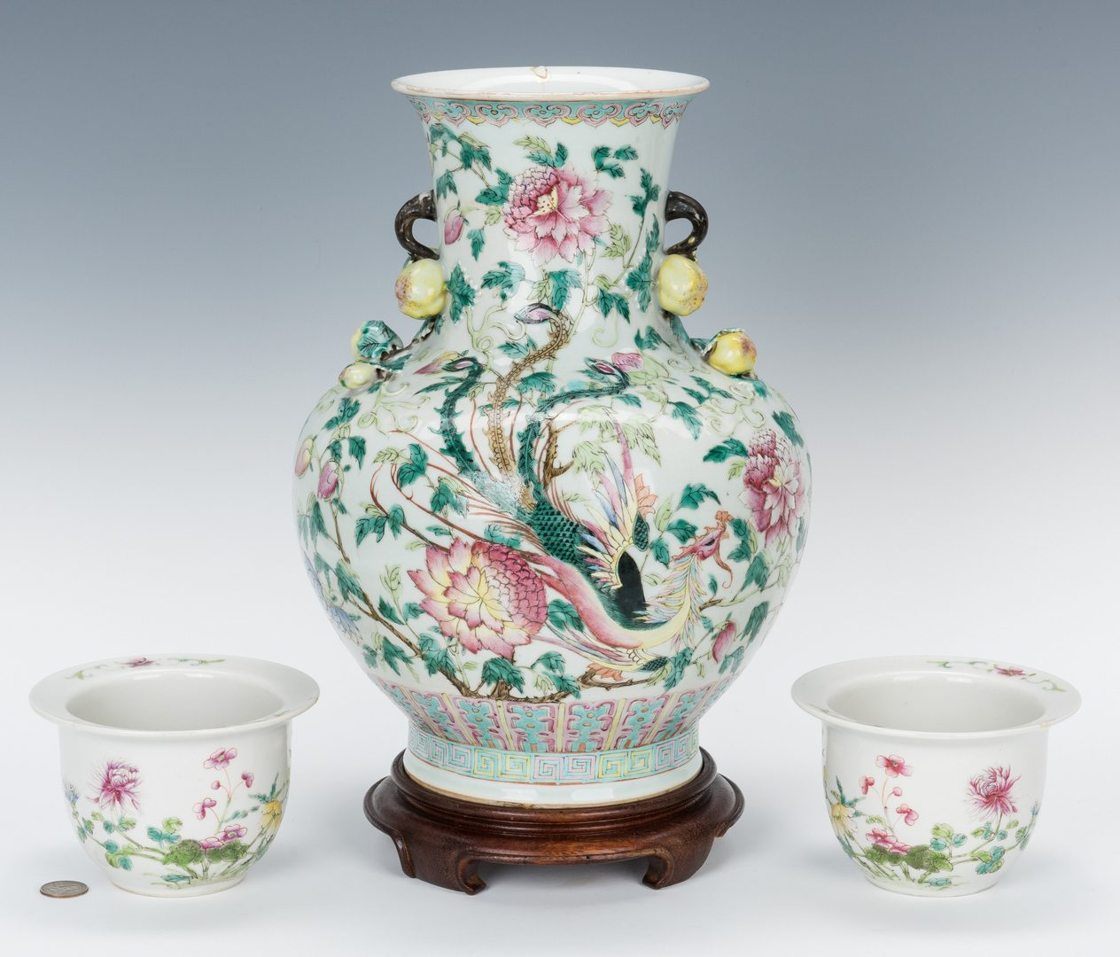 Lot 463: Chinese Famille Rose Vase with Small Cache Pots