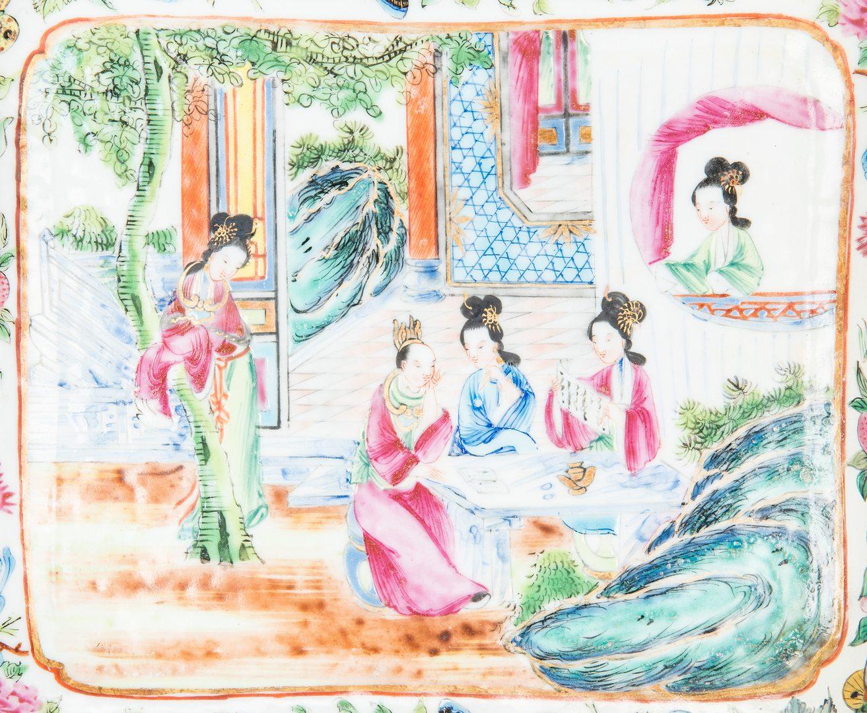 Lot 465: 12 pcs Famille Rose incl. Rose Mandarin Jardiniere