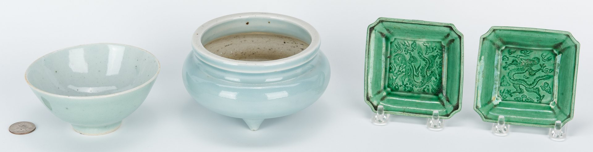 Lot 470: 4 Chinese Monochrome Porcelain items