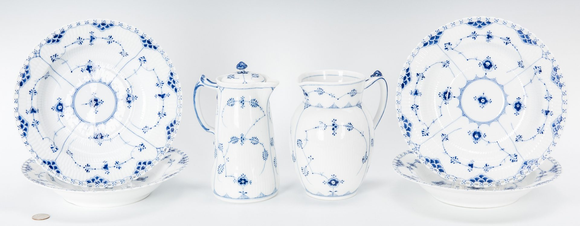 Lot 488: 21 Royal Copenhagen Porcelain Items