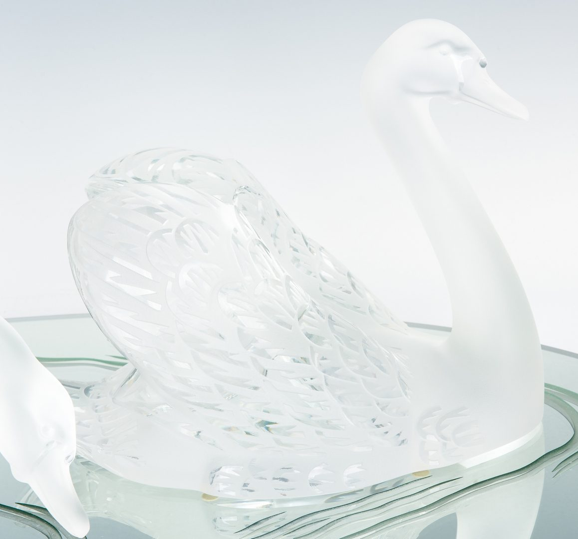 Lot 495: Pair of Lalique Cygnes Swans with Mirror