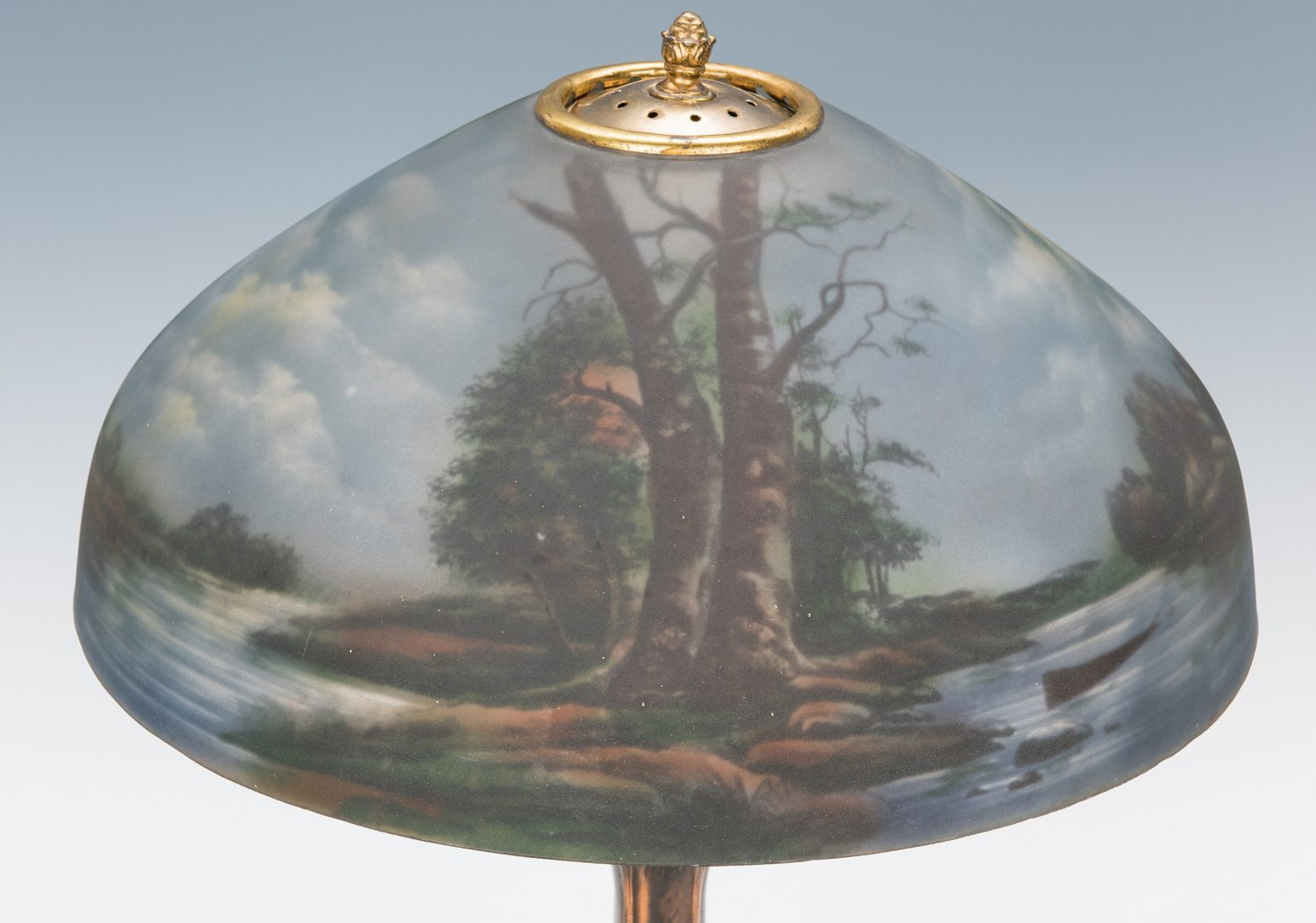 Lot 517: Pittsburgh Call of the Wild Lamp