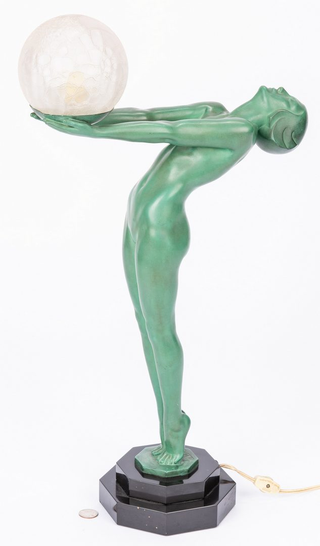 Lot 560: Le Verrier Art Deco Bronze Figural Lamp