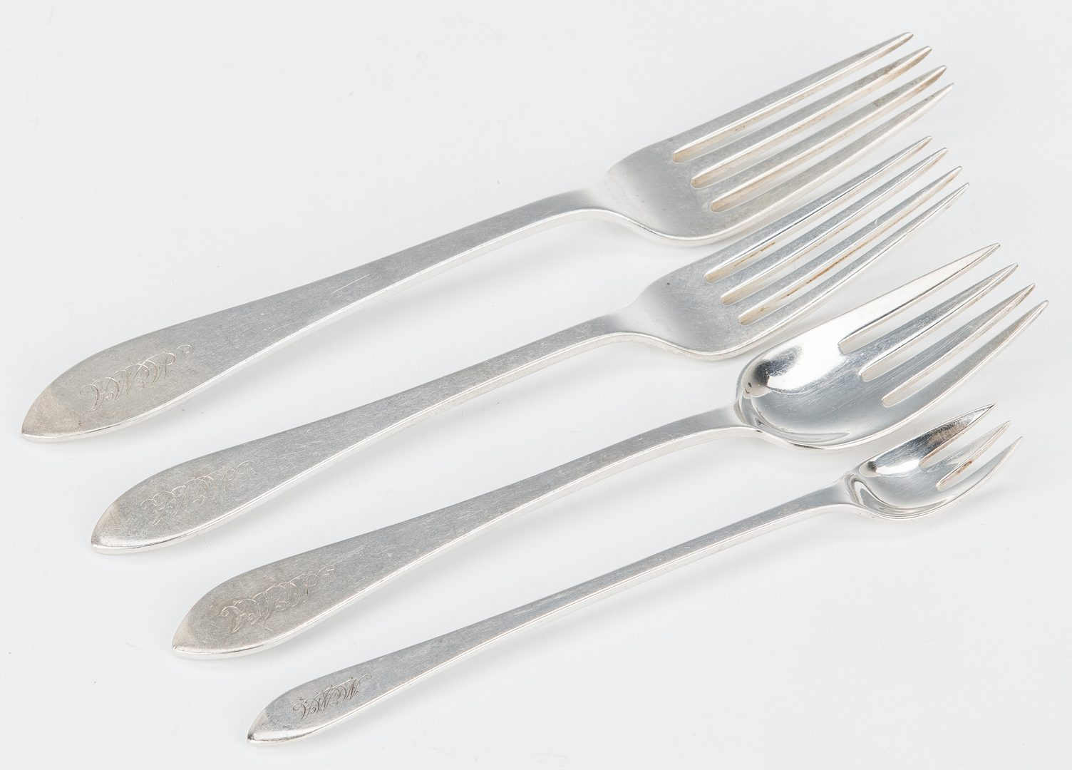 Lot 57: Tiffany Sterling Flatware, Faneuil, 116 pcs