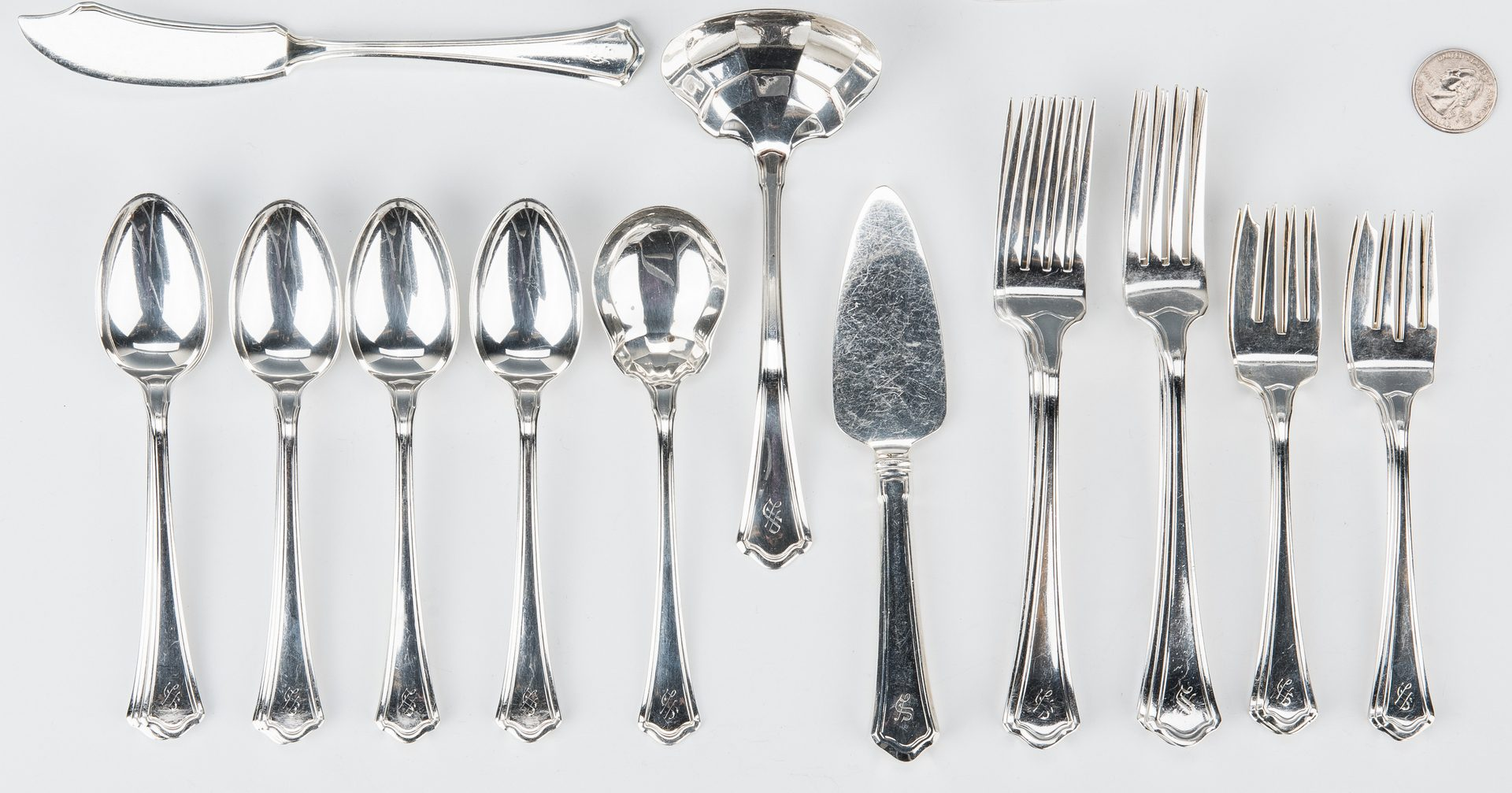Lot 763: Wallace Washington Pattern Sterling Silver Flatware