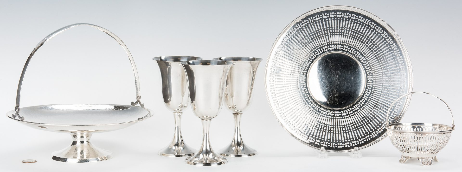Lot 772: 6 Sterling Silver Items, incl. Hammered Compote