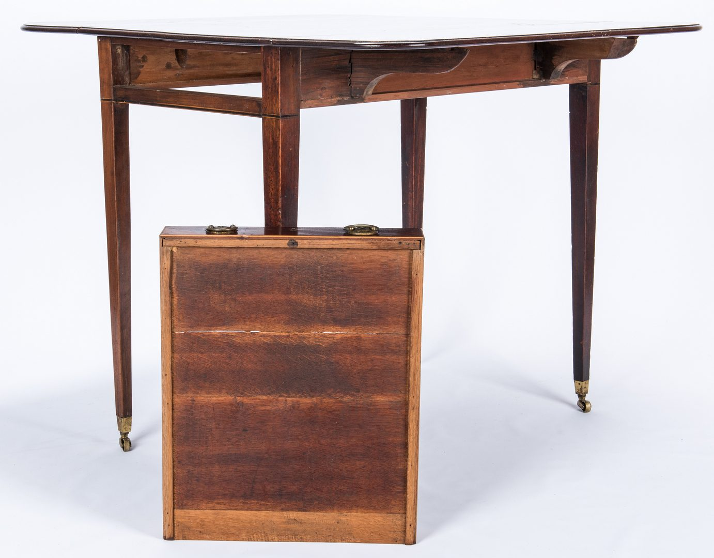 Lot 101: English Sheraton Mahogany Pembroke Table