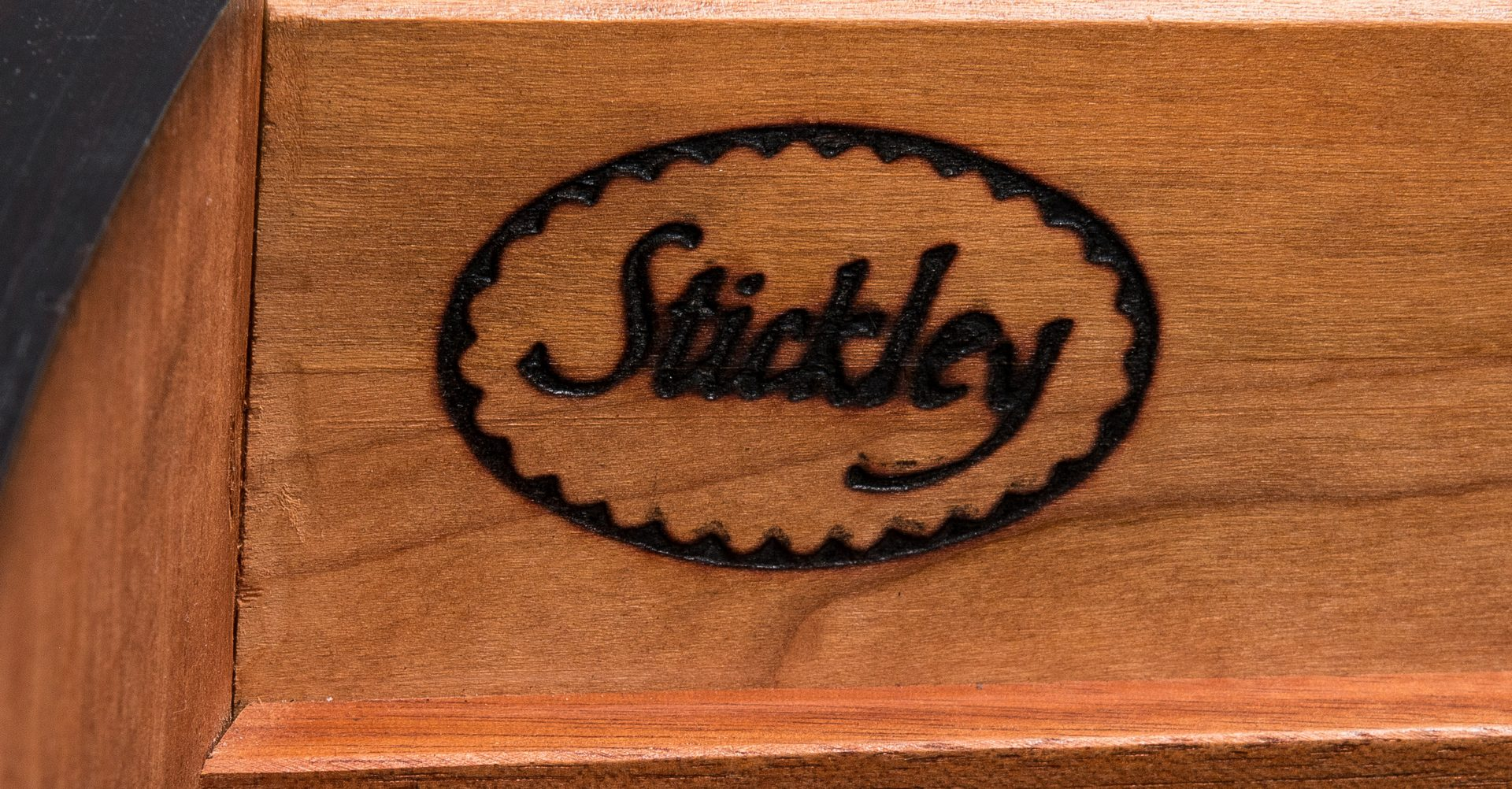 Lot 116: Stickley Mahogany Federal Style Sideboard