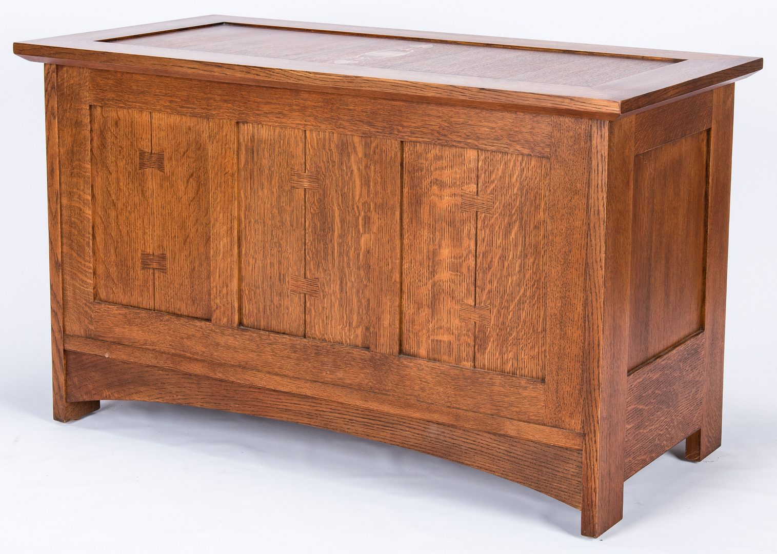 Lot 117: Stickley Inlaid Oak Inlaid Chest