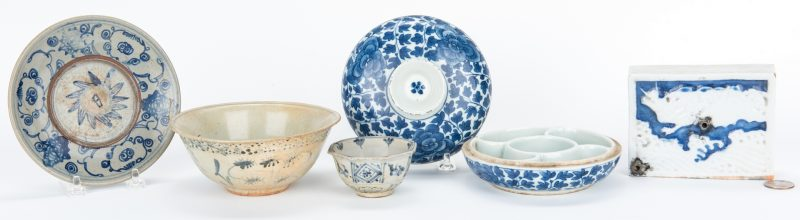 Lot 15: 5 Asian Blue & White Ceramic Items, incl. Water Dropper