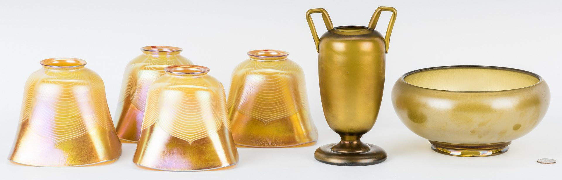 Lot 194: 7 Art Glass Items, incl. Lamp, Shades, Bowl & Vase