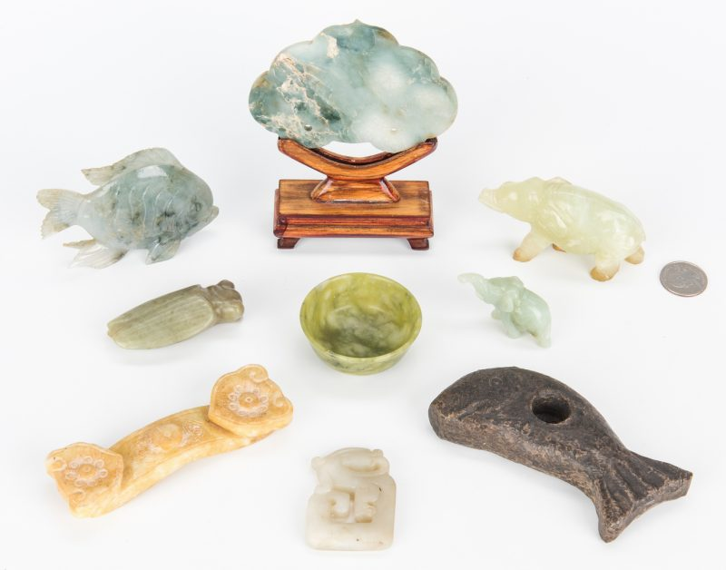 Lot 220: 9 carved Jade and Hardstone Items inc. Animals