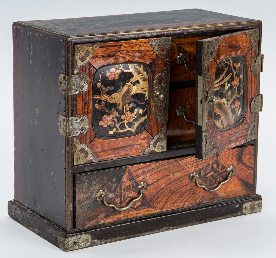 Lot 33: 2 Asian Inlaid Jewelry or Keepsake Chests