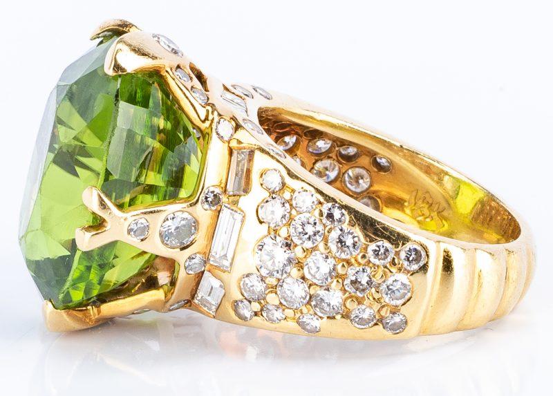 Lot 36: 18k Peridot Diamond Fashion Ring