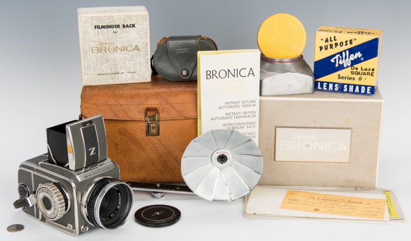 Lot 377: Zenza Bronica SQ Series Camera w/ Original Box