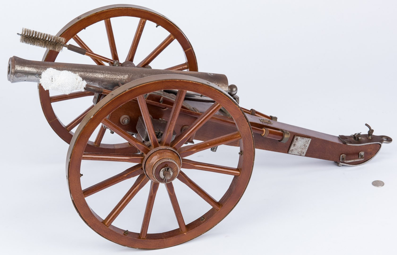 Lot 401: Spanish 20th Cent. Model Signal Cannon