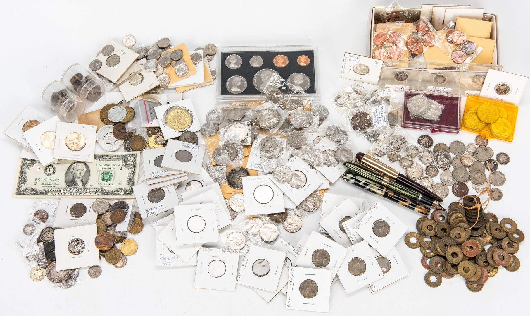 Lot 419: 811 US/International Coins and More