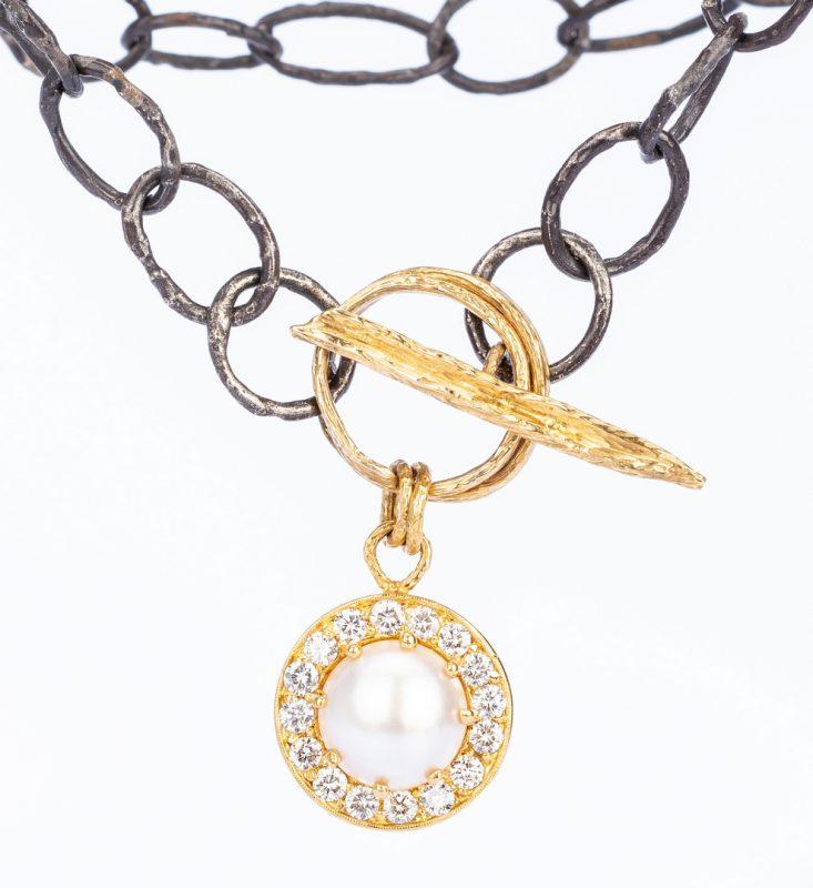 Lot 41: 3.20 ct t.w. Diamond Fashion Necklace