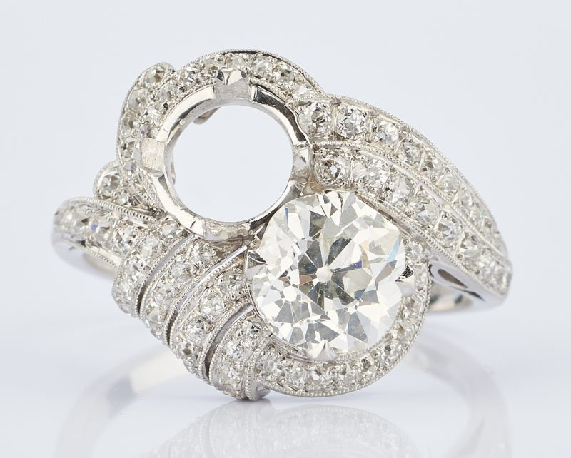Lot 217: Ladies Platinum Diamond Ring, 1.8 Carats