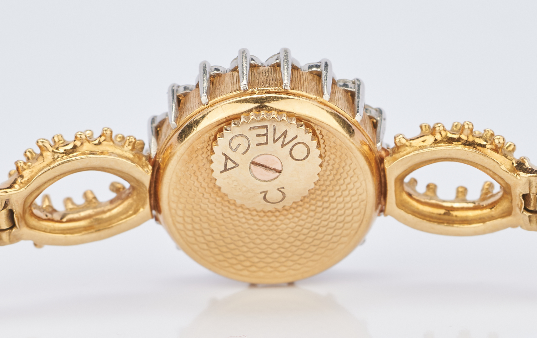 Lot 232: 18K Ladies Omega Wrist Watch