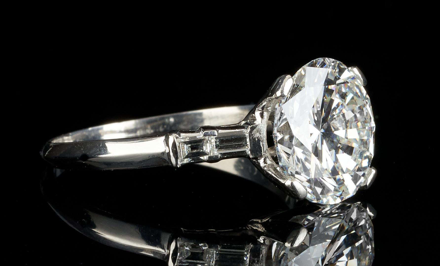 Lot 33: Plat. Ring, 4.85 CTW Round Diamond, GIA (SI1, F)