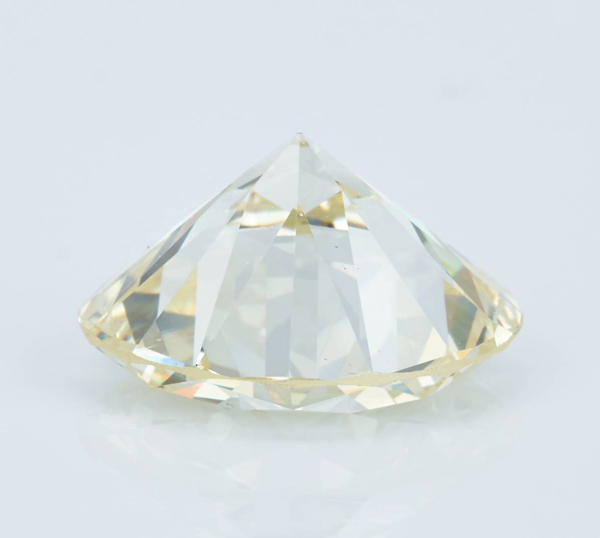 Lot 37: Plat. Ring, 5.70 CTW Round Diamond, GIA (VS1, Q-R)