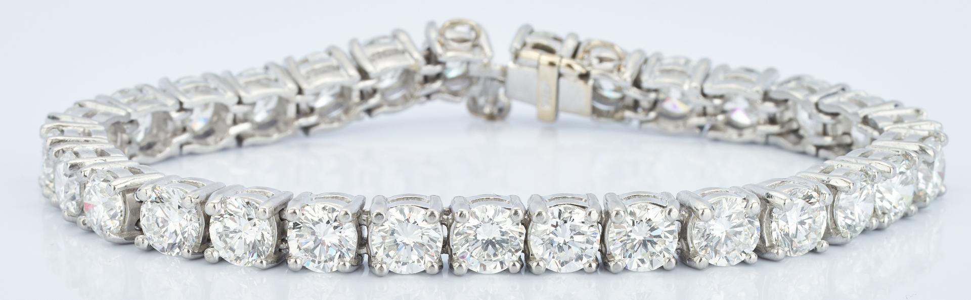 Lot 38: Platinum Diamond Tennis Bracelet, 13 CTW