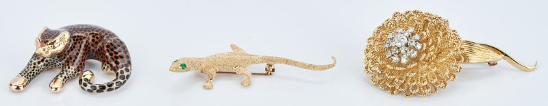 Lot 416: 18K Flower and Diamond Brooch, 14K Lizard Brooch, and 14K Cheetah Pendant