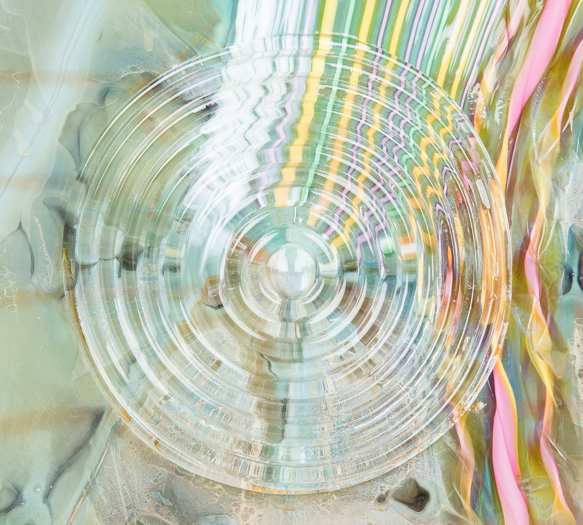 Lot 488: Hawthorne & Nowak Studio Art Glass Vase