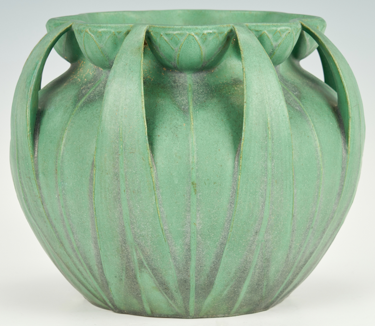 Lot 496: Large Teco Pottery Jardiniere, Model 106