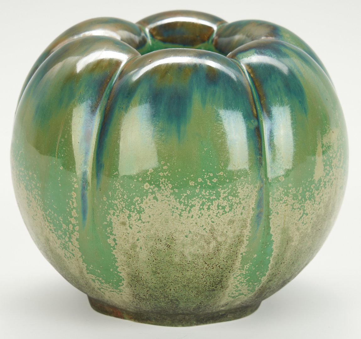 """Lot 501: Fulper """"Bell Pepper"""" Art Pottery Vase"""