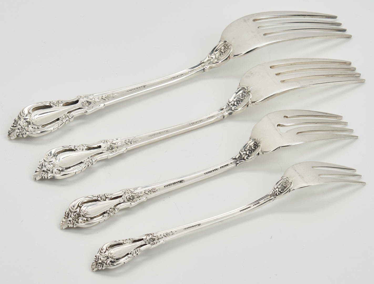 Lot 52: 157 Pcs. Lunt Eloquence Pattern Sterling Silver Flatware