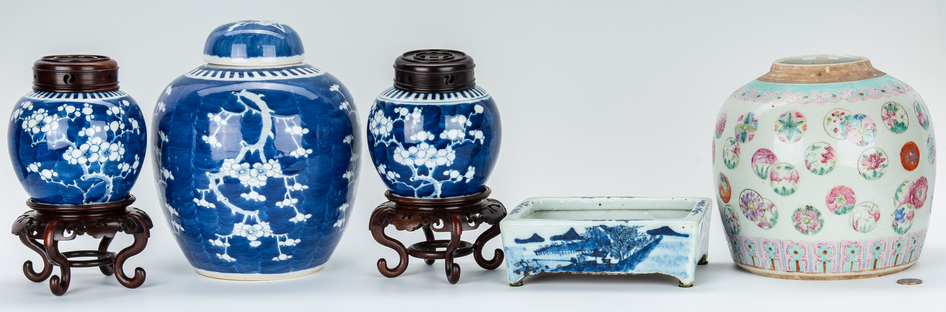Lot 760: 3 Chinese Hawthorne Pattern Ginger Jars & 2 Others