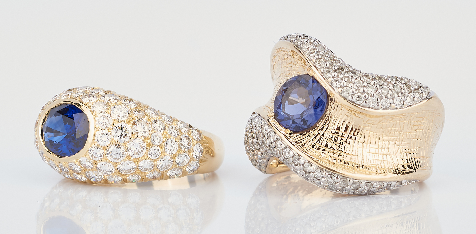 Lot 767: 2 Ladies Gold & Sapphire Rings