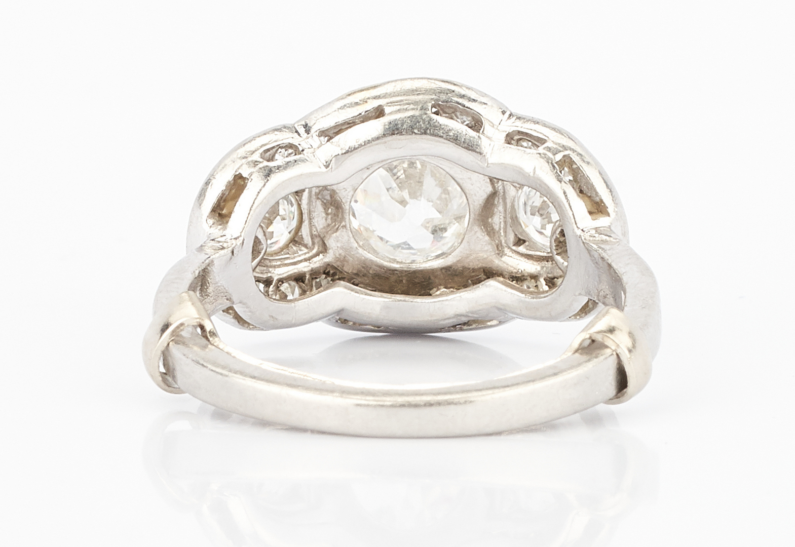 Lot 785: Ladies Platinum Princess Ring