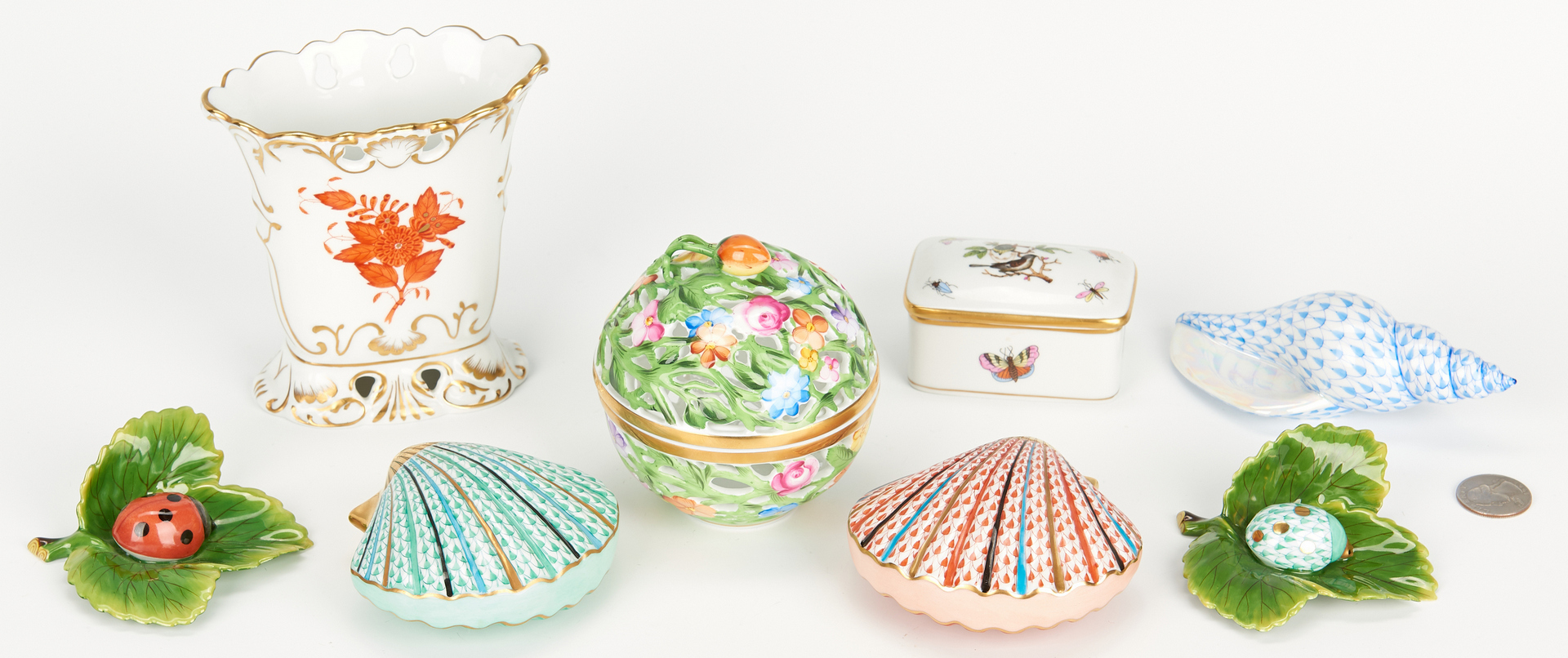 Lot 838: Group of 8 Herend Trinkets incl. Shells