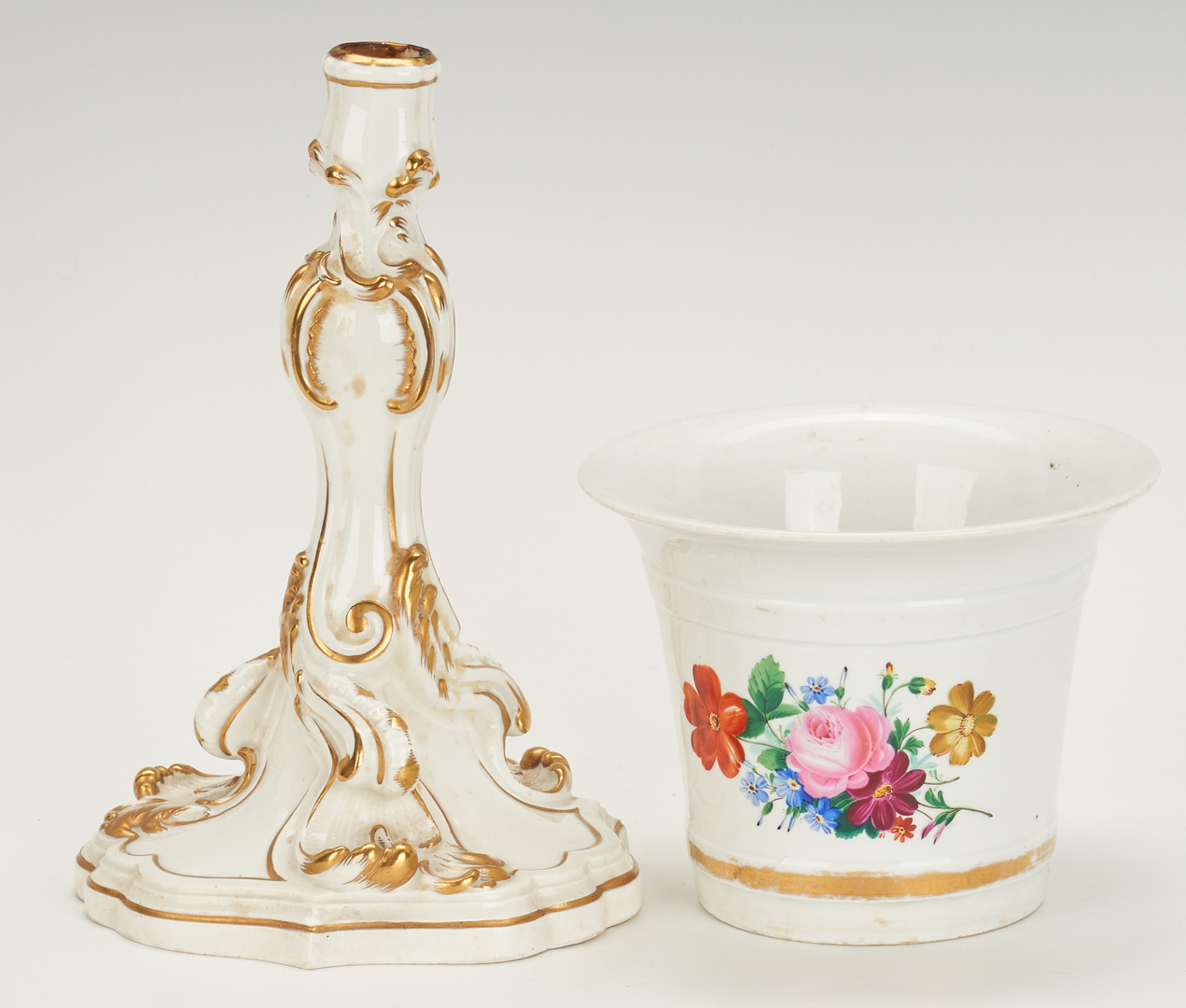 Lot 849: Meissen Candlestick, Leaf Bowl, Cachepot + Platter