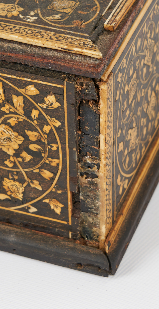 Lot 866: Anglo-Indian Inlaid Lacquer Box