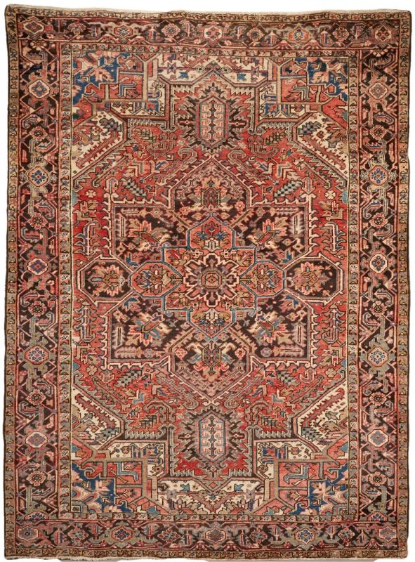 Lot 899: Mid 20th Cent. Persian Heriz Rug