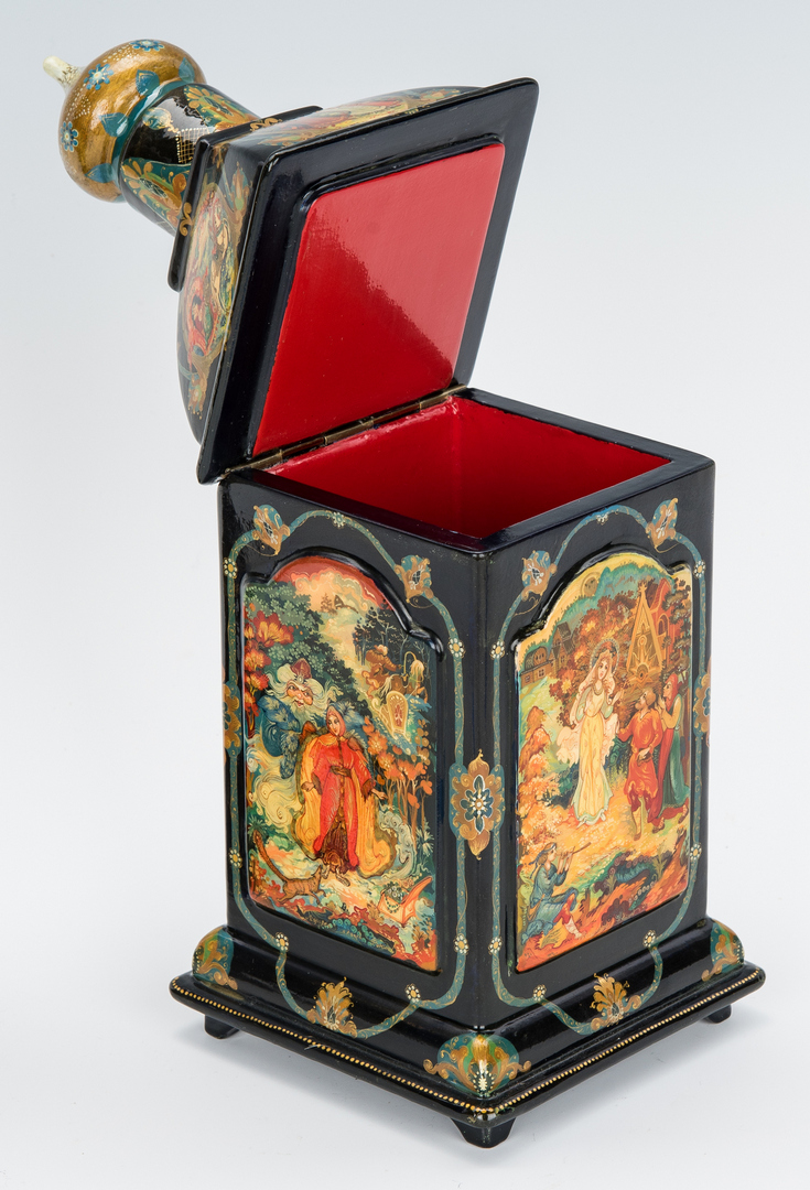 Lot 920: 4 Russian Decorative Items, incl. Lacquerware