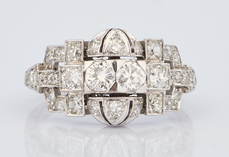 Lot 932: Ladies Art Deco Platinum & Diamond Ring