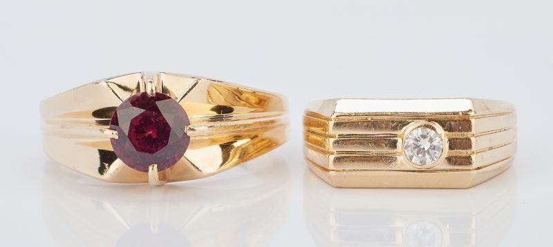Lot 934: Pr. 14K Men's Gold Rings w/ Stones