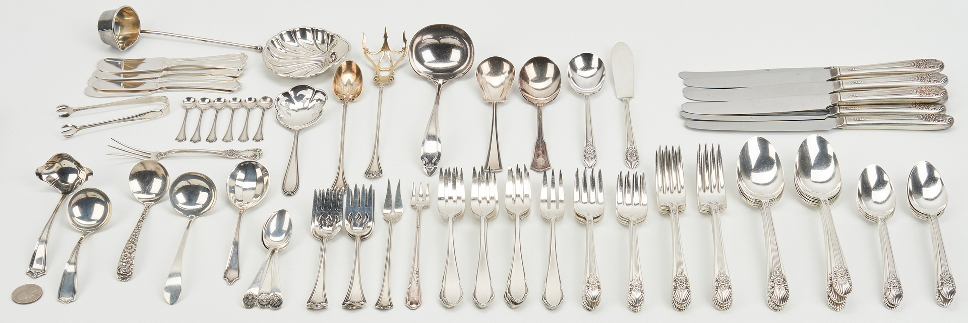 Lot 940: 93 Pcs. Flatware incl. Century Service for 8