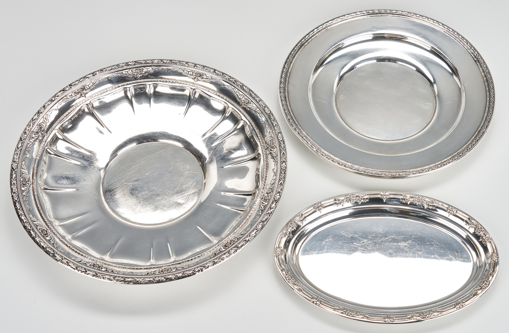 Lot 942: 4 Sterling Silver Bowls/Trays, incl. Wallace, Dominick & Haff, International