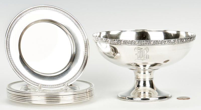 Lot 948: 1 Tiffany bowl plus 8 Gorham bread plates