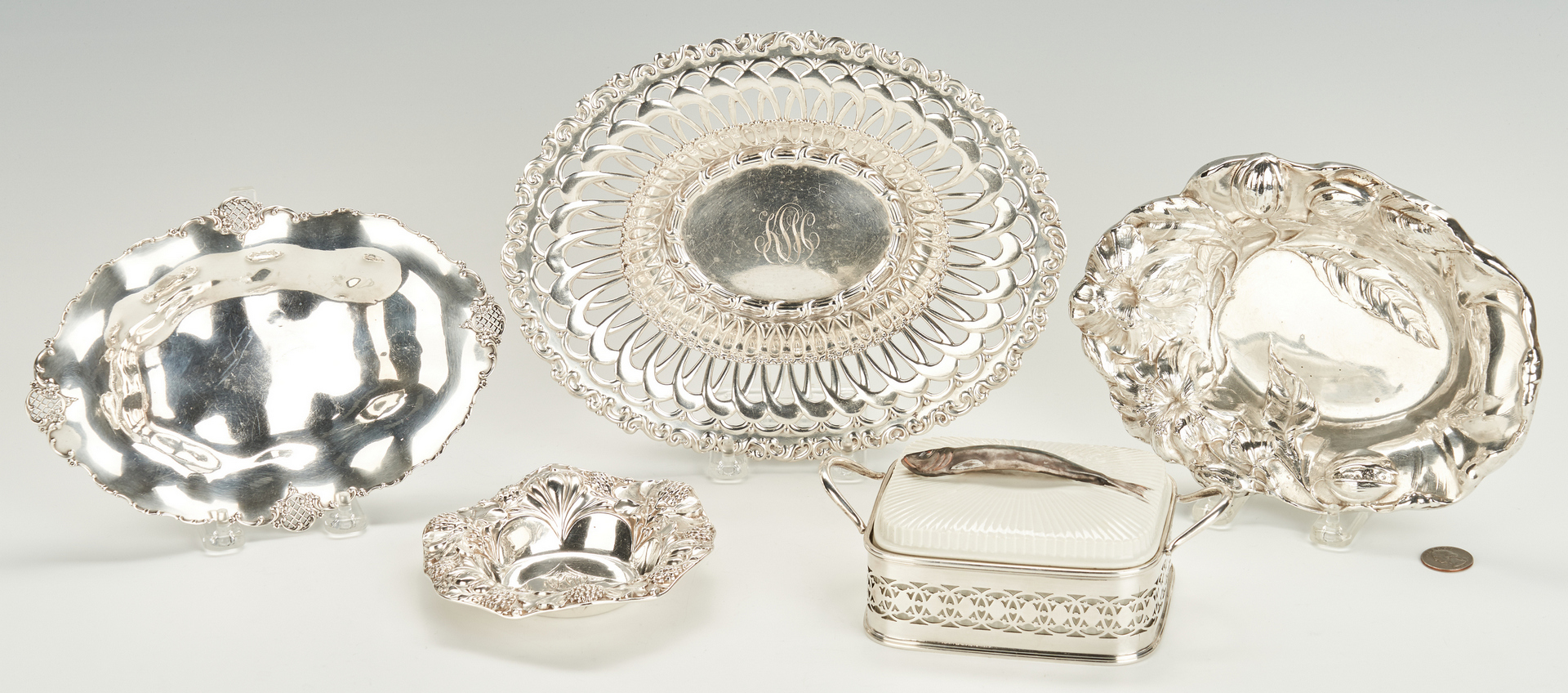 Lot 952: 4 Small Sterling Bowls plus Sardine Dish