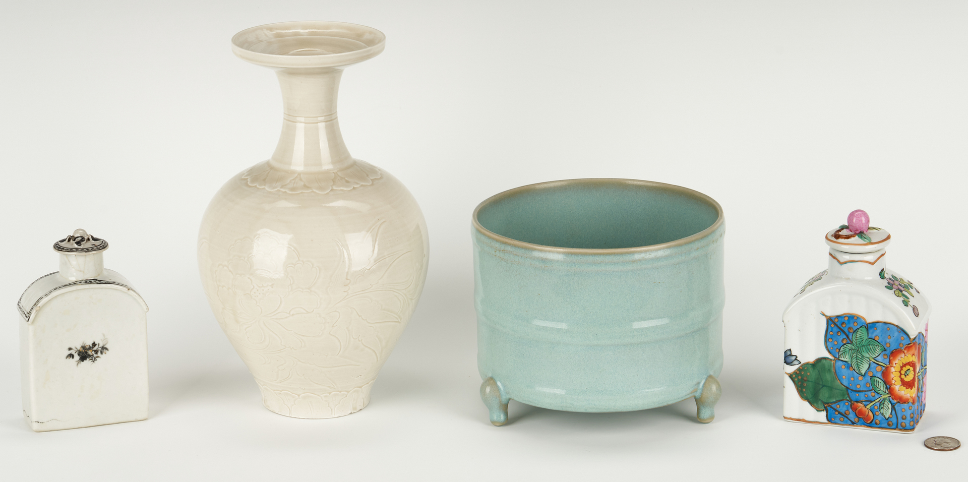 Lot 1000: 4 Chinese Porcelain Items, incl. Tea Caddy