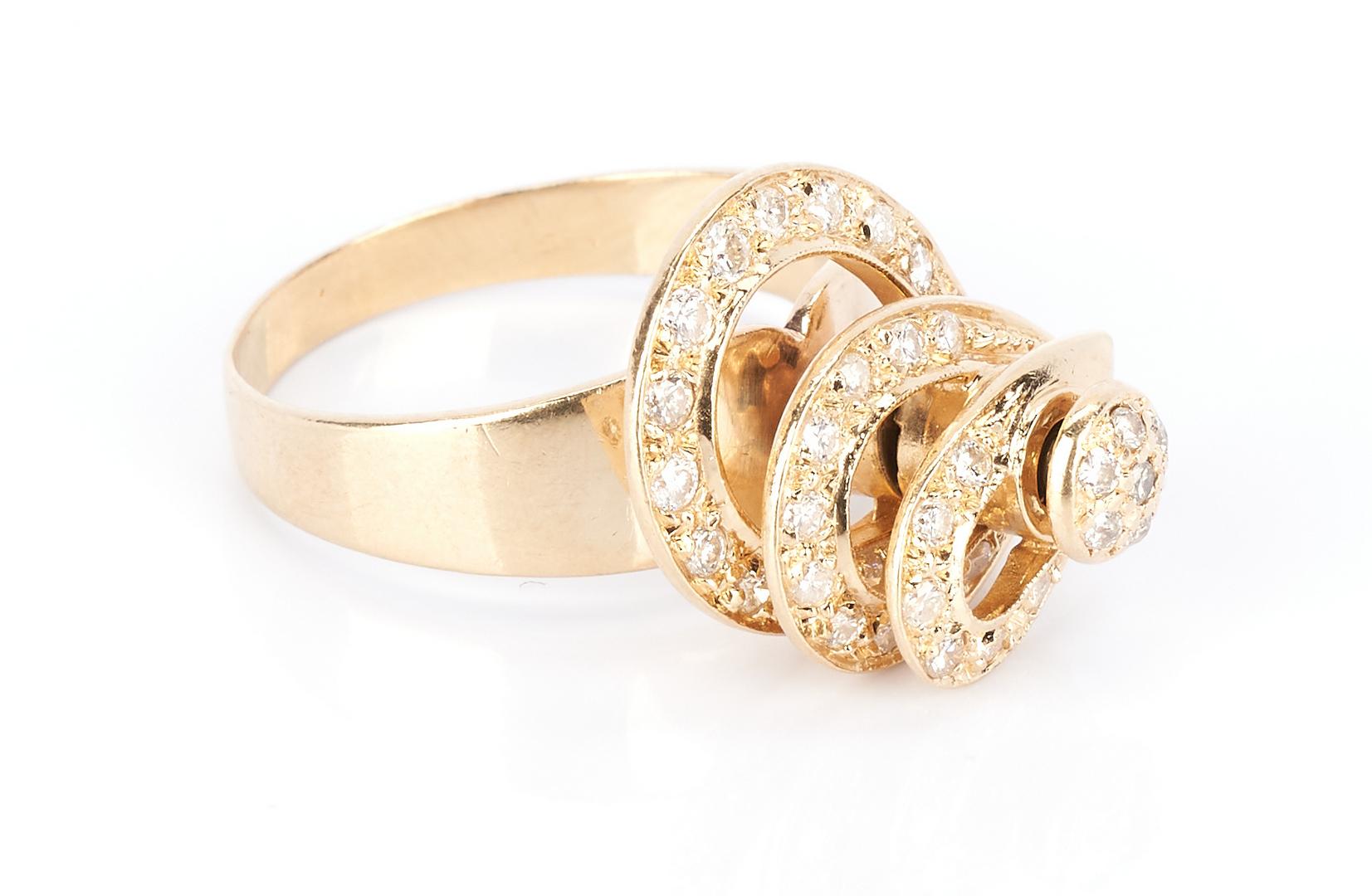 Lot 1034: Ladies 14K Spinning Top Diamond Ring