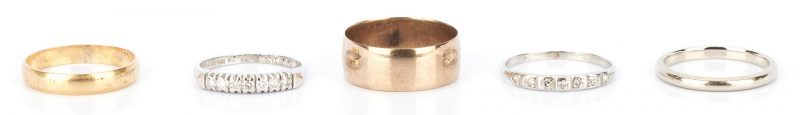Lot 1037: 5 Gold and Platinum Wedding Rings