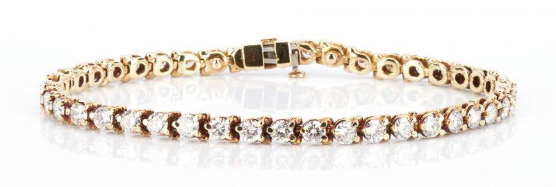 Lot 211: Ladies 14K Diamond Tennis Bracelet